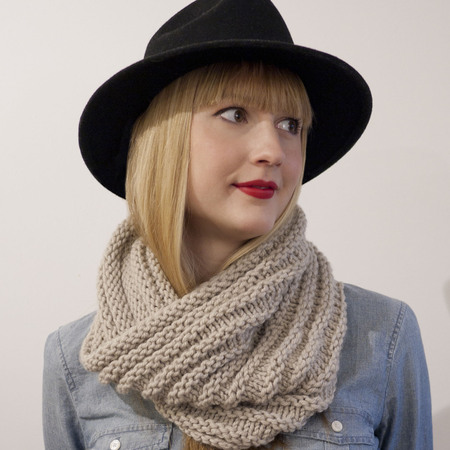 Caring cowl pic1