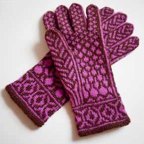 Redbud gloves pic2