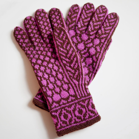 Redbud gloves pic3
